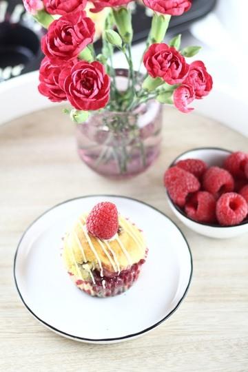 Rezept Himbeermuffins mit weißer Schokolade und fruchtiger Füllung