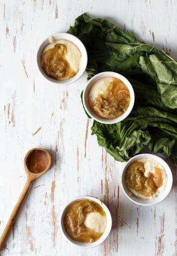 Rezept Hirse-Grießbrei mit Vanille und zuckerfreiem Rhabarberkompott