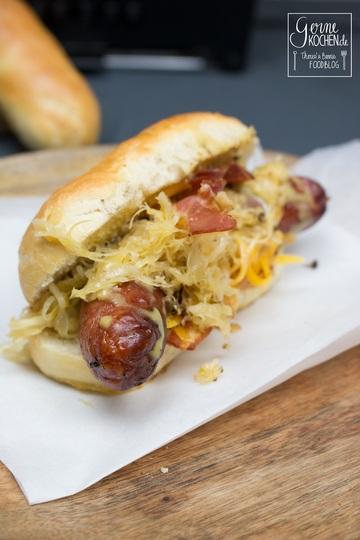 Rezept Hot Dog mit karamellisiertem Sauerkraut