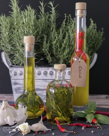 Rezept Infused Oil – Selbstgemachtes Knoblauch-, Chili- und Kräuteröl