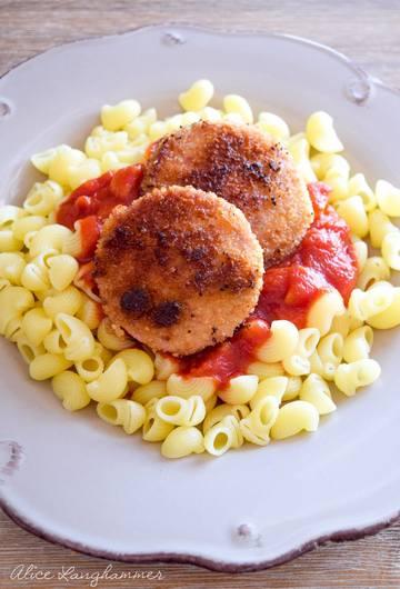 Rezept Jägerschnitzel mit Nudeln und Tomatensoße