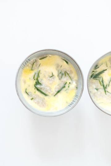 Rezept Japanischer Reiseintopf mit Schnittknoblauch und Ei [Zosui]