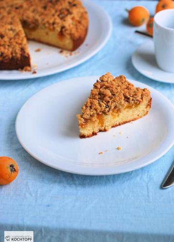 Rezept Joghurt-Streusel-Kuchen mit Mispeln und Aprikosen