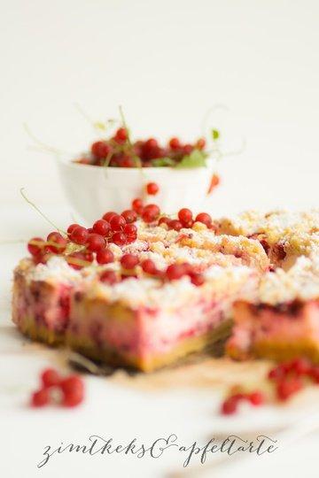 Rezept Johannisbeer-Cheesecake mit Mandel-Streuseln