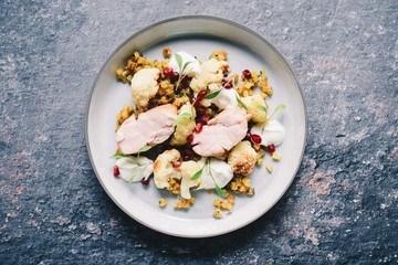 Rezept Kalbsbries mit Austern, geröstetem Blumenkohl und Ananassalsa