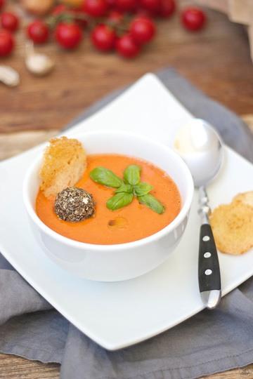 Rezept Kalte Tomaten-Gurken-Suppe