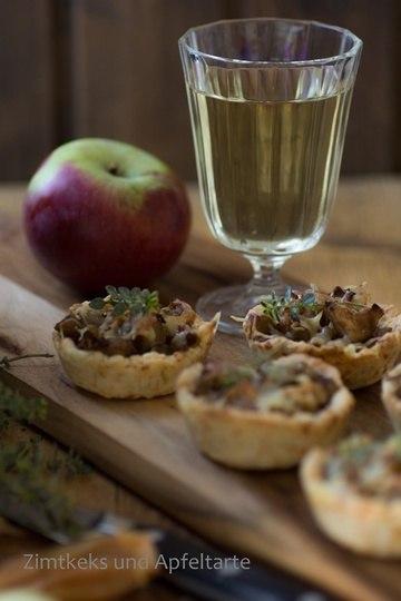 Rezept Karamellisierte Zwiebeln und Äpfel in Käse-Mürbteig