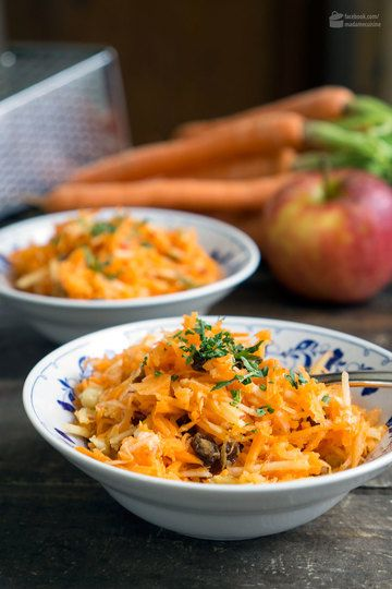 Rezept Karotten-Apfel-Salat (mit Ingwer, Rosinen & Nüssen)