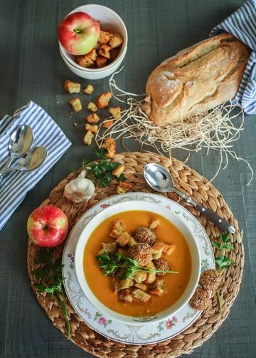 Rezept Karotten-Kokos-Suppe und zwei fabelhafte Begleiter