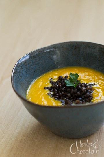 Rezept Karottensuppe mit Meerrettich und Belugalinsen