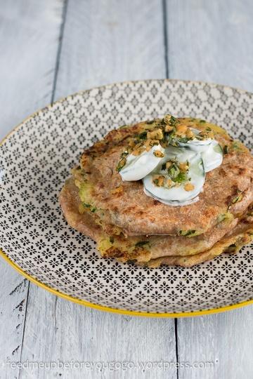 Rezept Kartoffel-Bärlauch-Paratha und Gurkensalat mit Kräuter-Nuss-Gremolata