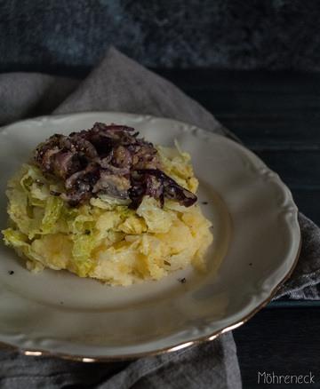 Rezept Kartoffelstampf mit Wirsinggemüse & Schmelzzwiebeln