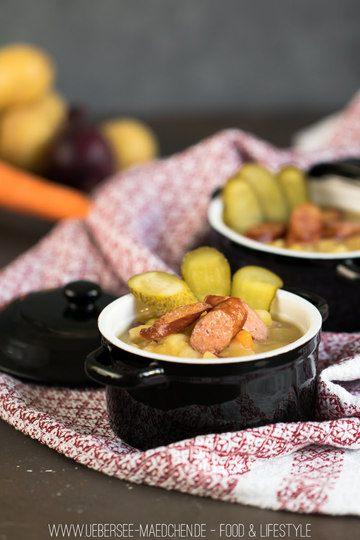 Rezept Kartoffelsuppe mit gebratener Wurst und Gewürzgurken