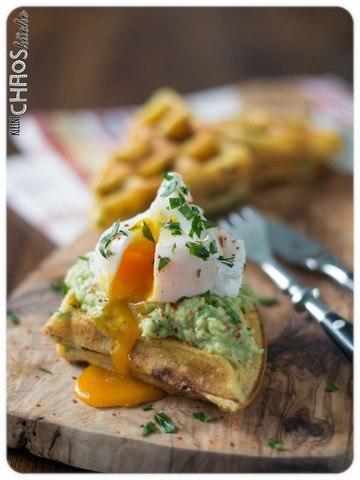 Rezept Kartoffelwaffeln mit Guacamole und pochiertem Ei