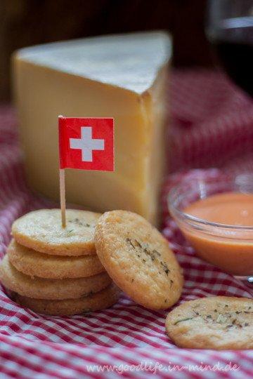 Rezept Käse-Cracker mit Paprikacreme