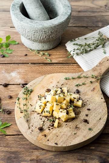 Rezept Käse Snack mit Honig und Kaffee
