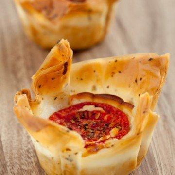 Rezept Käsekörbchen mit Oregano-Tomaten