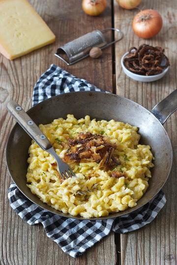 Rezept Käsespätzle mit Röstzwiebeln