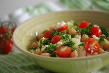 Rezept Kichererbsen-Feta-Salat mit Kirschtomaten