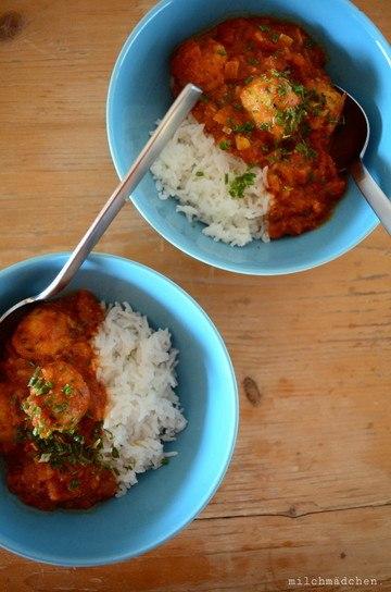 Rezept Kichererbsenbällchen in Curry-Tomatensauce