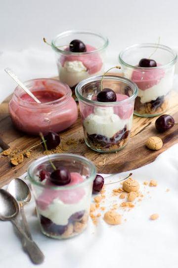 Rezept Kirsch-Amaretti-Dessert mit Kirsch-Curd