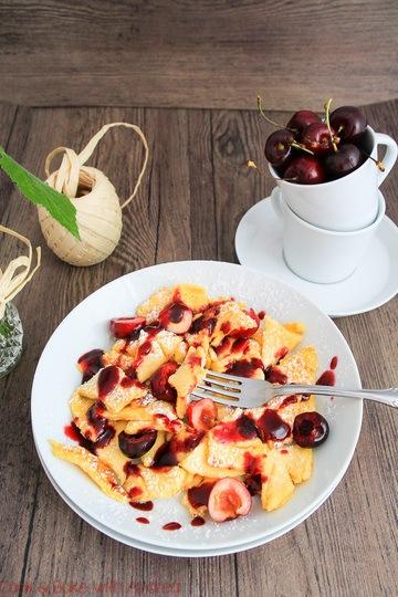 Rezept Klassischer Kaiserschmarrn mit frischem Obst