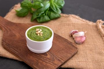 Rezept Klassisches Basilikum-Pesto (Pesto alla Genovese)