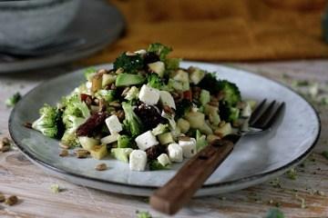 Rezept Knackiger Brokkoli-Apfel-Salat