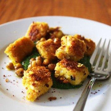 Rezept Knusper-Ricotta-Gnocchis mit Spinat und Kichererbsen