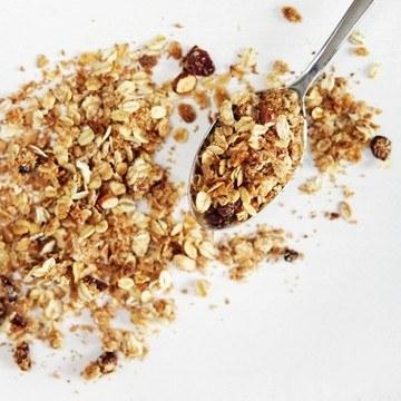 Rezept Knuspermüsli mit weißer Schokolade, Mandeln und Cranberries