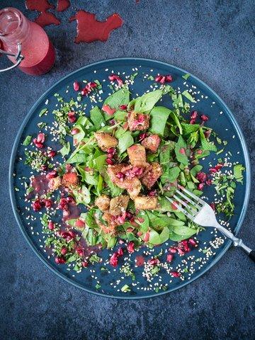 Rezept Knusprig gebackene Aubergine auf Granatapfel Salat
