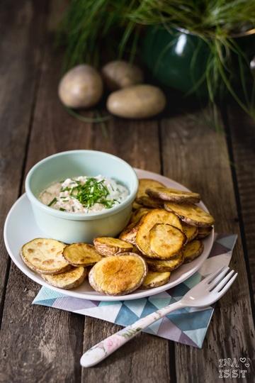 Rezept Knusprige Kartoffelscheiben mit Schnittlauch-Dip