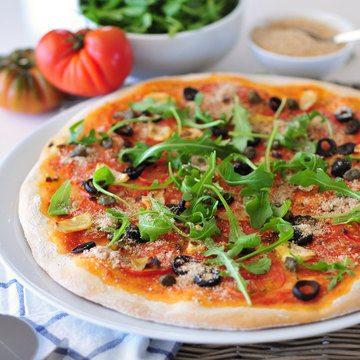 Rezept Knusprige Pizza Puttanesca vegan