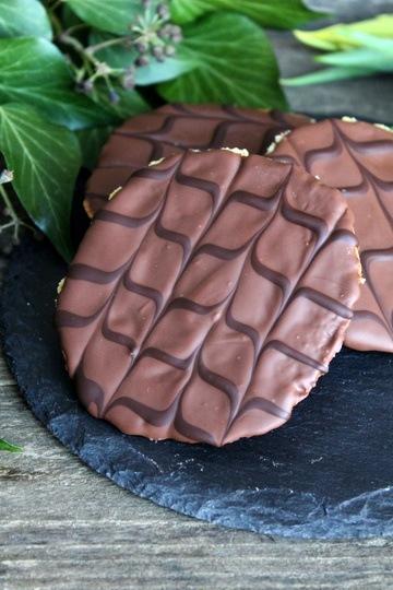 Rezept Knusprige Taler mit Schokoladenverzierung