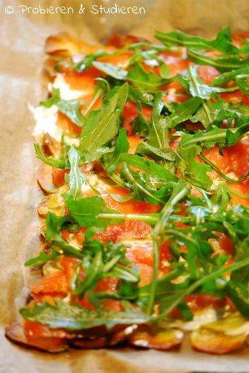 Rezept Knuspriger Kartoffel-Lachs-Flammkuchen ohne (Hefe-)Teig