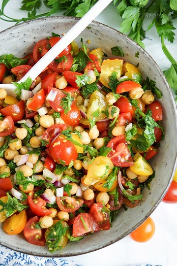 Rezept Knuspriger Kichererbsen-Tomaten-Salat