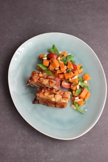 Rezept Knuspriger Schweinebauch mit Süßkartoffelsalat
