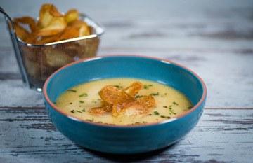 Rezept Kohlrabi-Birnen-Suppe mit Ingwer und hausgemachten Lebkuchen Chips(Laktosefrei)