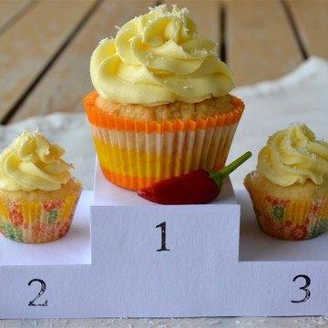Rezept Kokos-Chili-Cupcakes mit Mango-Schmand-Frosting