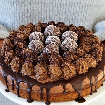 Rezept Kokos Schokoladentorte mit rohveganen Kokos-Rumkugeln