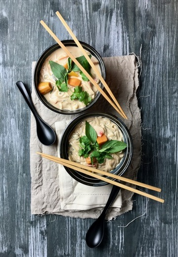 Rezept Kokosmilchsuppe mit Süßkartoffeln und Reisnudeln [vegan]