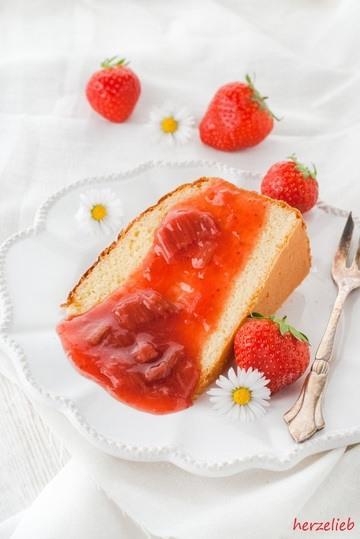 Rezept Kondensmilch-Kuchen mit Rhabarber-Kompott