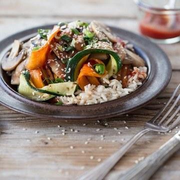 Rezept Koreanisches Bibimbap mit Möhren und Zucchini