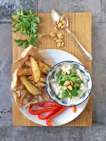 Rezept Koriander-Erdnuss-Quark mit Kartoffelecken