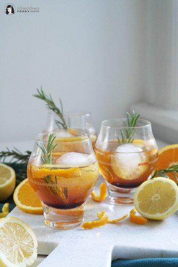 Rezept Kräuter Gin Tonic mit Averna und Rosmarin (Werbung)