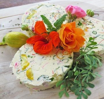 Rezept Kräuterbutter mit essbaren Blüten