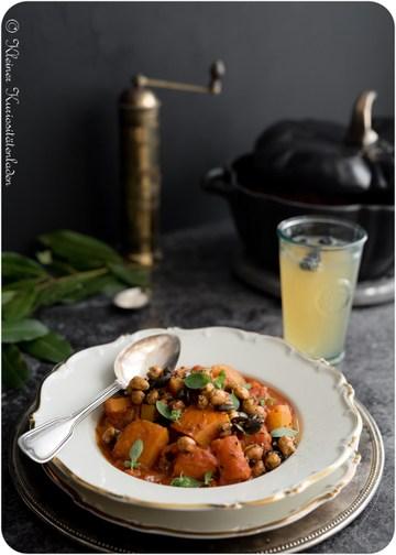 Rezept  Kürbis-Kartoffel-Gulasch mit gerösteten Kichererbsen