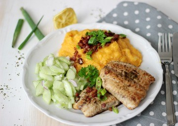 Rezept Kürbis-Kartoffelstampf zu Welsfilet und Gurkensalat