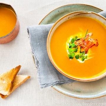 Rezept Kürbis-Kokos-Suppe mit karamellisierter Prosciutto