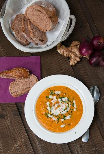 Rezept Kürbis-Orangen-Suppe mit Chili und Zimt